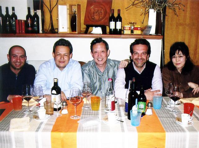 イタリア人三人と食卓を囲む